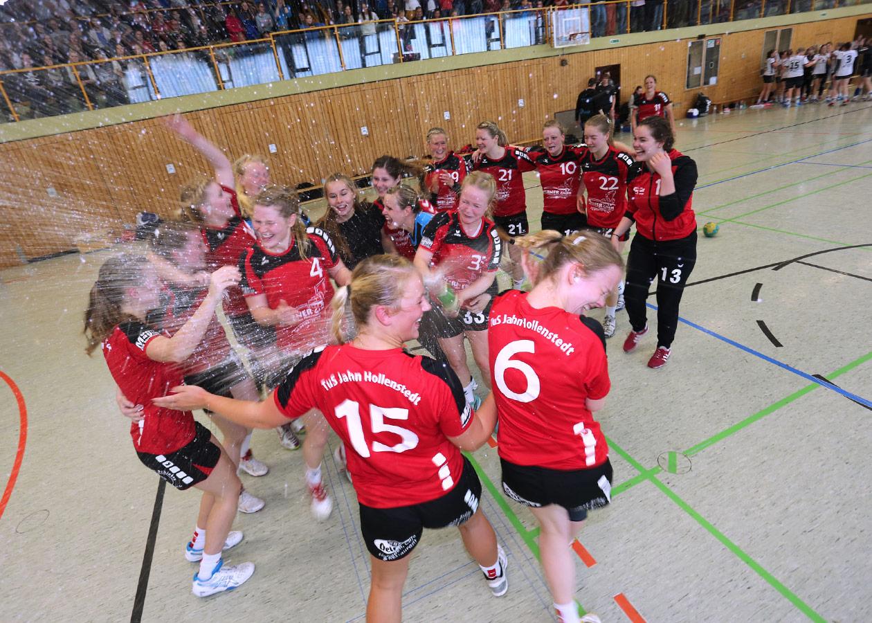 Hollenstedt feiert die Meisterschaft